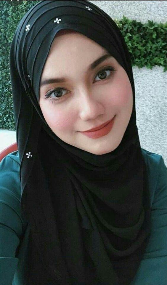 سورية جميلة مقيمة فى هولندا بدى زواج مسيار من زوج غنى عربى مع رقم الهاتف